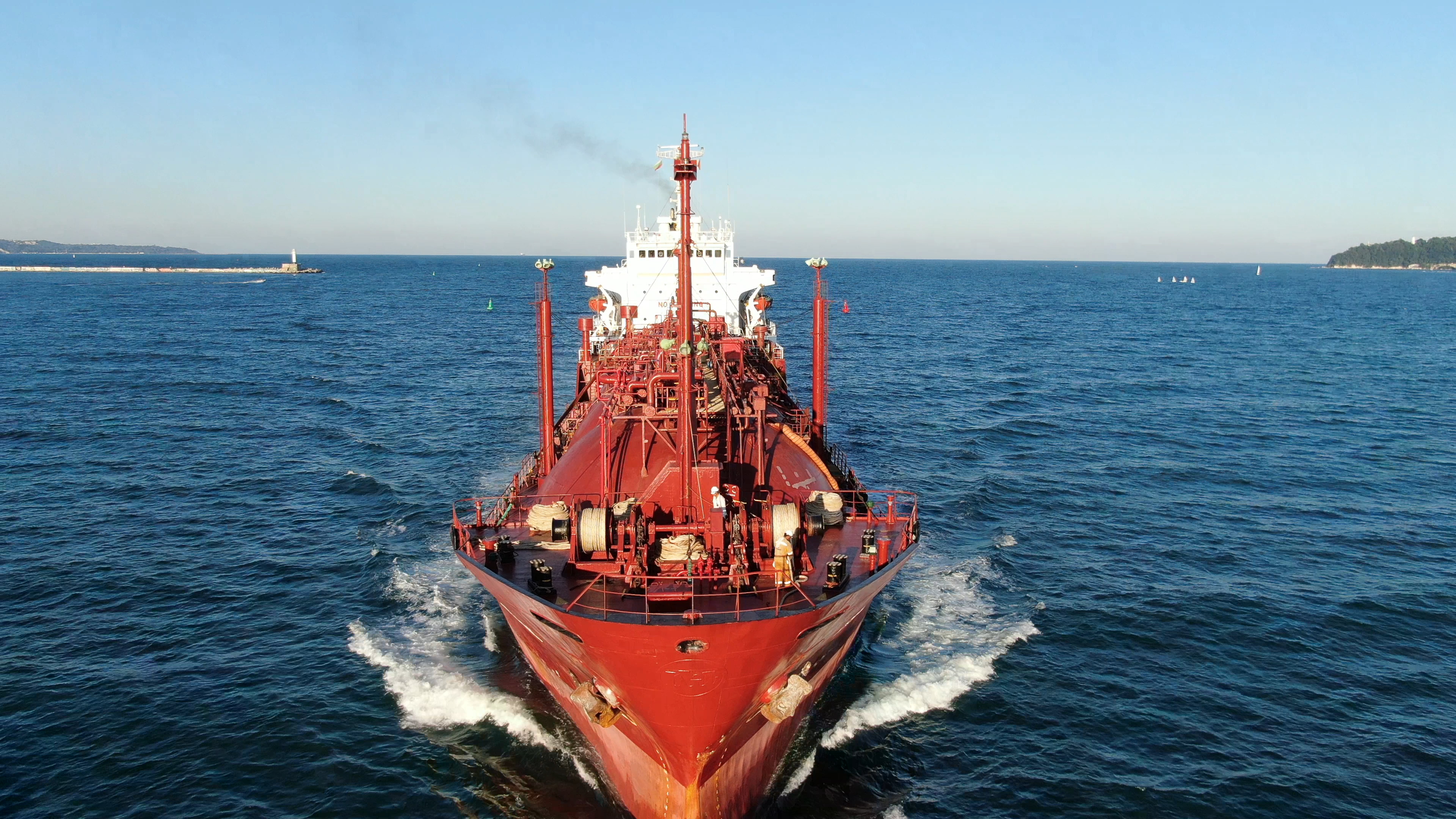 LPG tanker SEAGAS GOVERNOR left MTG Dolphin refreshed and is now heading again for her new tasks in high seas.